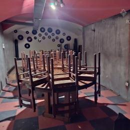 Ponúkame na prenájom priestor o výmere 110 m2 v suteréne meštianského domu v historickom centre mesta na Alžbetinej ulici v Košiciach, v blízkosti ...