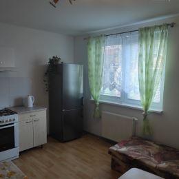 Na prenájom zariadená pekná garsonka v rodinnom dome, Trnava. Dom sa nachádza v tichej lokalite mesta. Byt sa prenajíma komplet zariadený a vybavený ...