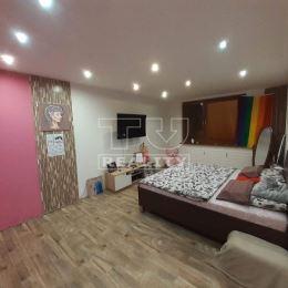 REZERVOVANÉ!!!***  *** TU reality Vám ponúka na predaj krásne zrekonštruovaný byt v Partizánskom s rozlohou 65 m2.Byt dispozične pozostáva :-vstupná ...