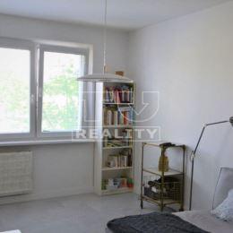 REZERVOVANÉ!!! TUreality predáva krásny, slnečný a rozľahlý 2izb. byt Žilina-Vlčince 1 (pri bývalej pošte) o výmere 62,3m2 s balkónom. Nachádza sa v ...