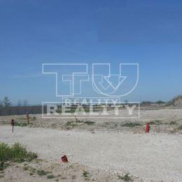 Na predaj stavebný pozemok v novej lokalite Boldog-Nové Lúčky nachádzajúcej sa v Boldogu, len 2 km od Senca. Rozloha pozemku je 541 m2. IS- voda, ...
