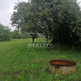 TU reality ponúka na predaj pozemok s rozlohou 1530 m2, ktorý sa nachádza v extraviláne obce Žemberovce, okres Levice. Pozemok je vhodný na výstavbu ...