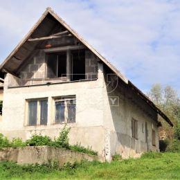 TU reality Vám ponúka na predaj rodinný dom s veľkou záhradou- celková plocha 1068 m2 v obci Veľký Klíž-Klížské Hradište.Dom je zo 60tich rokov, ...