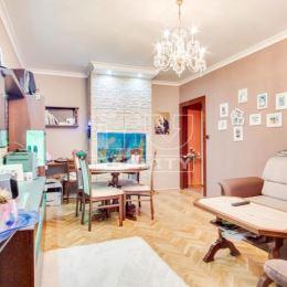 Na predaj s výhradným zastúpením majiteľa 3-izbový, kompletne prerobený byt na ul. Nábrežná v Nových Zámkoch. Byt sa nachádza na 6.poschodí obytného ...