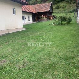 Tureality exkluzívne ponúka na predaj útulný rodinný domček po čiastočnej rekonštrukcii v obci Podhradie , ktorá je smer Sučany takže ranné ani ...