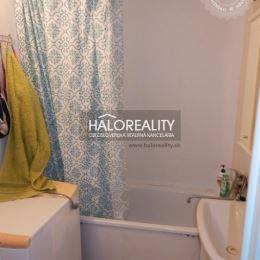 Ponúkame na predaj čiastočne zrekonštruovaný 3-izbový byt v Piešťanoch, ulica M.Bela. Byt s logiou sa nachádza na 2/8 poschodí panelového bytového ...