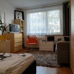 Ponúkame na predaj 2-izbový byt v obci Smolenice, okr. Trnava. Byt s výmerou 56 m² sa nachádza na prízemí nízkopodlažného zatepleného bytového domu v ...