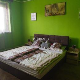 Ponúkame Vám na predaj 4 - izbový rodinný dom v obci Gbelce. RD sa nachádza na priestrannom, rovinatom, slnečnom a oplotenom pozemku s rozlohou 2777 ...