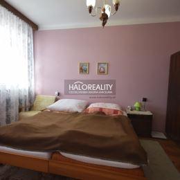 Ponúkame Vám na predaj dvojizbový byt v centre mesta Partizánske, na Družstevnej ulici. Byt má rozlohu 50m² + lodžia + pivnica cca 2m². Nachádza sa ...