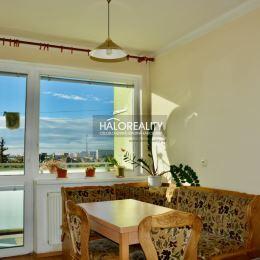 Ponúkame na prenájom 3izbový byt o rozlohe 85m² s lodžiou a balkónom na 3.p. na Tamaškovičovej ulici v Trnave. Byt je zariadený nábytkom, chladničkou ...