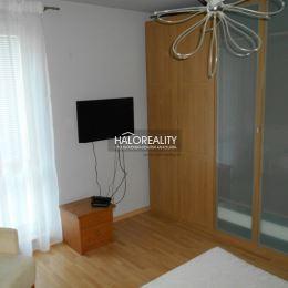 Ponúkame na prenájom zrekonštruovaný 3-izbový byt na Študentskej ul. v Trnave. Nachádza na 1. poschodí v nízkopodlažnom tehlovom bytovom dome s ...