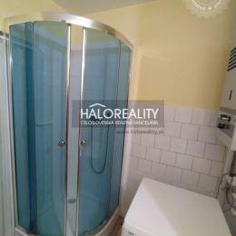Ponúkame na prenájom pekný priestranný slnečný 2-izbový byt v Považskej Bystrici mestská časť Lánska, ktorý sa nachádza na druhom poschodí troj ...