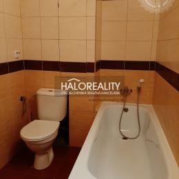 Ponúkame na prenájom jednoizbový byt v Prievidzi na Dlhej ulici, ktorý má rozlohu 36 m² a nachádza sa na 1 poschodí zo 7. Byt prešiel nasledovnou ...