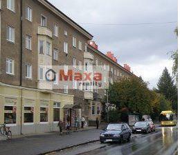 Hľadáme trojizbový byt v Prievidzi na starom sídlisku