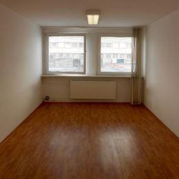 Na prenájom vkusné priestory v blízkosti centra mesta Poprad. Priestory sú o rozlohe 45 m2, skladajú sa z dvoch miestností/ kancelárií, kuchynky, ...