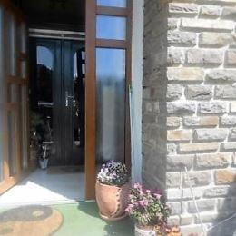 Ponúkame Vám krásnu rodinnú vilu, v tichej a vyhľadávanej lokalite popradskej mestskej časti Poprad – Veľká. Táto dvojpodlažná vila s podlahovou ...