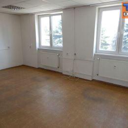 : Na prenájom celé poschodie, ktoré tvoria kancelárske priestory o celkovej výmere 147m2. Kancelárie sa nachádzajú na 2.poschodí zateplenej budovy v ...