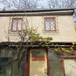PREDAJ PRERUŠENÝ! Na predaj chata s elektrinou nachádzajúca sa za Panorámou v kata. území Nižná Úvrať (Vyšné Opátske). V chate je zavedená elektrina ...