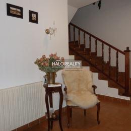 Ponúkame na predaj nadštandardný rodinný dom v Malženiciach. Dom sa nachádza vo výbornej lokalite len 8km od Trnavy v bočnej ulici, blízko centra ...