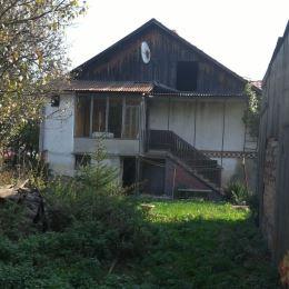 DRAGON REAL,s.r.o. – ponúkame na predaj dom cca 15 km od Prešova v pôvodnom stave. Bol postavený v r. 1959 z váľkov, kvadry a tehál, základy ...