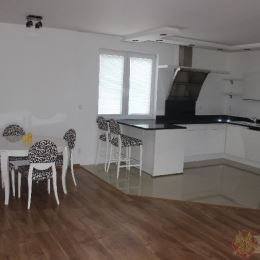 Máme pre náročnejších klientov krásny exkluzívny nadštandardný byt v Nižnej Šebastovej. Jedná sa o o dvojpodlažný byt o rozlohe 178 m2, s ...