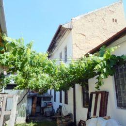 Ponúkame na PREDAJ rodinný dom za SUPER CENU v meste Lučenec...