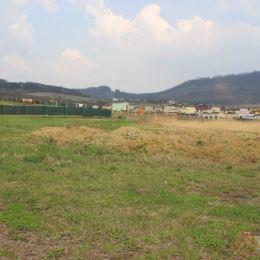 DRAGON REAL,s.r.o. – ponúkame na predaj pozemok v obci Fintice v lokalite s novou výstavbou rodinných domov. Jeho rozloha je 1929 m2. Prístupová ...