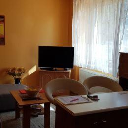 Ponúkame Vám na predaj pekný slnečný 1-izbový nachádzajúci sa v tehlovom bytovom dome na Budovateľskej ulici.Byt má rozlohu 48 m2 a nachádza sa na ...