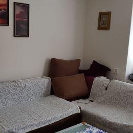 Ponúkame Vám na predaj 1-izbový byt v bližšom centre mesta.Byt má rozlohu 28 m2.V byte je realizovaná kompletná rekonštrukcia čo zahŕňa plastové ...