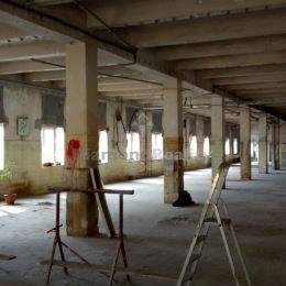 Ponúkame na prenájom priestor o celkovej výmere 860,66 m2 na Južnej triede v širšom centra mesta. Priestor sa nachádza na 1. poschodí v ...