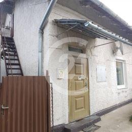 Century 21 a Katarína Gilbertson Vám ponúka na predaj 2- izbový byt na Duklianskej ulici v Spišskej Novej Vsi.  Byt je súčasťou obytného domu, ktorý ...