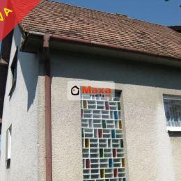 Ponúkame na predaj dvojgeneračný rodinný dom v peknej, tichej oblasti hôr v obci Kolačno. Dom je dvojpodlažný, celý podpivničený. Obývané je stredné ...