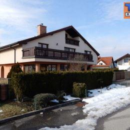 Na predaj veľký rodinný dom 6+1 v tichej lokalite, iba kúsok od centra mesta - na Rosinkách. Dom sa nachádza na pozemku o celkovej výmere 450m2 iba ...