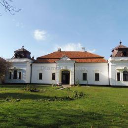 Ponúkame na predaj reprezentatívny rodinný dom - Kaštieľ Szigety v Gemerskej Panici, okr. Rožňava. Dom o výmere 446 m2 je situovaný na pozemku o ...