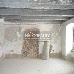 Ponúkame na predaj exluzívnu ponuku nehnuteľnosti priamo nad námestím Sv. Trojice v historickom centre Banská Štiavnica. Jedná sa o objekt, ktorý ...