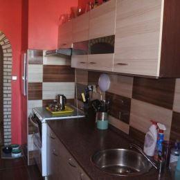 Ponúkam Vám na predaj tento zaujímavý 3-izbový byt s obrovskou terasou.Byt sa nachádza v Bratislave časť Karlova Ves. Je na 3 poschodí v bytovom dome ...