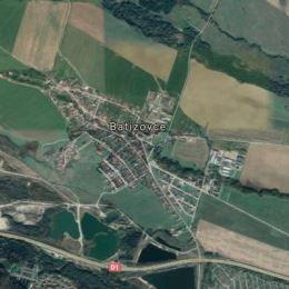 Ponúkame na predaj perspektívny, rovinatý slnečný pozemok v obci Batizovce.Inžinierske siete pri pozemku, s prístupovou asvaltovou cestou. Výmera je ...