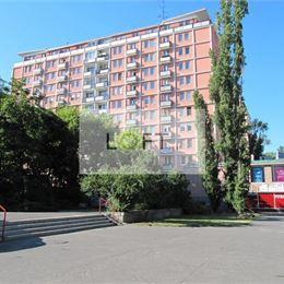 SÚRNE hľadáme pre klienta na kúpu 2-izbový byt ul.SIBÍRSKA, J.C.HRONSKÉHO, KRASKOVA, MIKOVÍNIHO a okolie, výmera 50 - 60 m2, čiastočná rekonštrukcia, ...