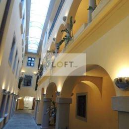 Ponúkame Vám na prenájom kancelárie v centre Starého Mesta Bratislava I.Výmera 35,91 m2 + 26,24 m2, spolu 62,21 m2, výťahStav nehnuteľnosti – ...