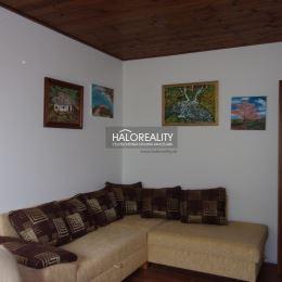 Ponúkame vám na predaj novostavbu nadštandardného rodinného domu v obci Jedľové Kostoľany vzdialenej cca 14 km od okresného mesta Zlaté Moravce. Je ...