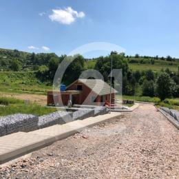 Ak chcete bývať v novom rodinnom dome vo vyhľadávanej lokalite blízko centra Levoče kontaktujte nás!Neponúkame jednorázovo najnižšiu cenu, ale ...