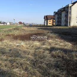 Predaj, pozemok pre rodinný dom 730 m² Zavar