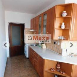 Ponúkame Vám na prenájom dvojizbový veľkometrážny byt v blizkosti centra Prievidze s pekným Výhľadom na mesto. Byt je o rozlohe 64m/2 a nachádza sa ...