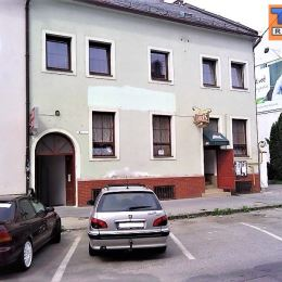 Na predaj poschodový rodinný dom - polyfunkčný objekt s nákladným výťahom na Slovenskej ulici v Prešove o celkovej podlahovej ploche 354,92 m2. ...
