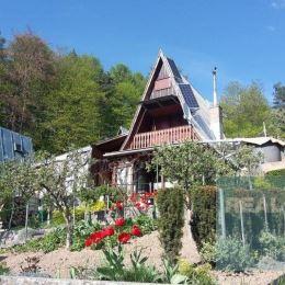 Ponúkame Vám na predaj peknú murovanú chatu pri Ilave.