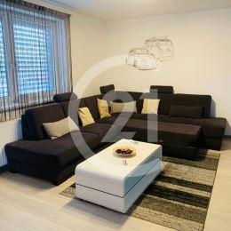 Ak hľadáte kúpu na investíciu, máme pre Vás luxusne vybavený byt v Nitre na Matičnej ulici, pre náročných klientov.Obytná plocha bytu 65m2 + terasa ...