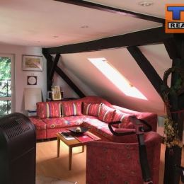 Na predaj rodinný dom v Martine, časť Priekopa na pozemku o výmere cca 800m2. Ide o 2-poschodový, tehlový dom so škridlovou strechou, čiastočne ...