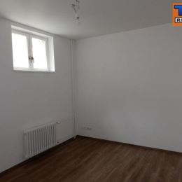 Na predaj pekný 2-izb. byt o výmere 56m2 plus balkón o výmere 3,5m2. Byt sa nachádza na treťom poschodí z piatich v zrekonštruovanom obytnom dome na ...