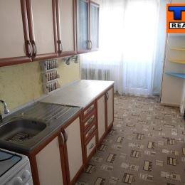 TUreality Vám ponúka na predaj 3 izbový byt s balkónom v pôvodnom stave. Nehnuteľnosť s rozlohou 75 m2 sa nachádza na Sídlisku III, ul. Mukačevská, v ...