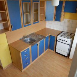 Na predaj 1- izbový byt s balkónom, 37 m2, centrum, Zvolen. Byt sa nachádza na 3/4 poschodí v bytovom dome bez výťahu. Má vymenené plastové okná, ...